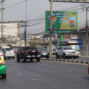 นนทบุรี ถนนติวานนท์ ก่อนถึงแยกสวนสมเด็จ